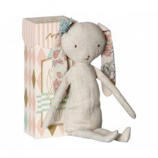 maileg best friends rabbit Cuddle up to the snugly Best Friends Collection This Rabbit is unbelievably soft and approved for kids 03 . Please Click the image for more information.