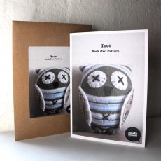 Craft Schmaft Owl Pattern Follow this beautifully packaged pattern to create your own adorable owl  TootPattern includes complete instructions diagrams and material list for making a sock owlPatterns . Please Click the image for more information.