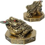 Three legged Moon Frog Statue, with coin in mouth Three Legged moon Frog represents wealth and health Please Click the image for more information.