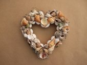 Medium mixed shell wreath  Please Click the image for more information.