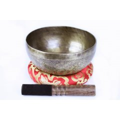 Traditional Hand Beaten Singing Bowl, Cushion & Stick 1.6-1.8 Kg These beautiful bowls are hand beaten in Nepal and are created from a blend of 7 different metals gold silver mercury copper iron tin and lead There. Please Click the image for more information.