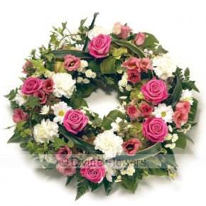 Product Image for Wreath Pink and White