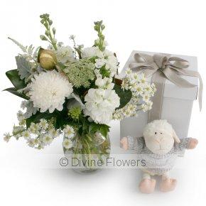 Product Image for White Vase & Lamb