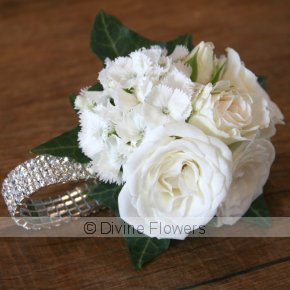 Product Image for Wrist Corsage Dainty