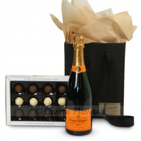 Product Image for Veuve Clicquot & Truffles Gift